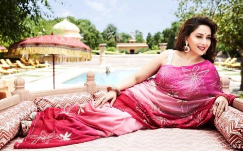 Madhuri Dixit - Nene thanks to her all fans for good wishes and birthday love